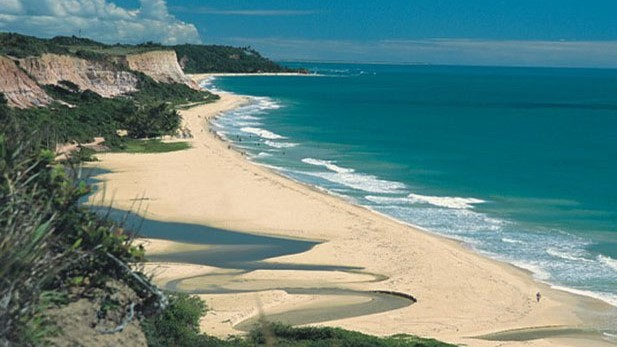 Sandstrand unterhalb von Terravista Resort in Trancoso / Brasilien