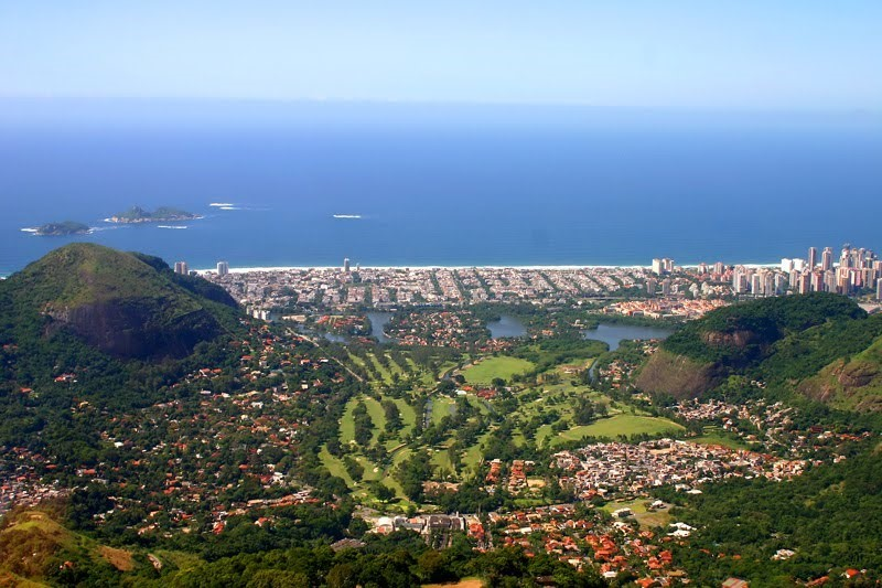 Der Itanhanga Golfclub hat 27 Löcher und grosser Drivingrange.