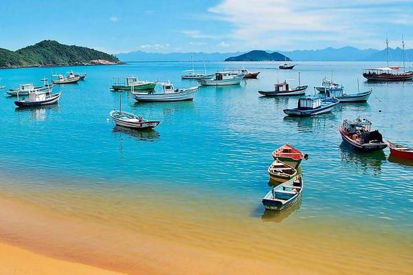 In den Buchten von Buzios ist das Meer meist sehr ruhig