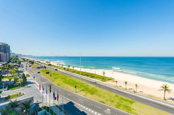 Das Grand Hyatt Hotel liegt direkt am Strand von Barra da Ticuja. Nahe dem Olympia Course