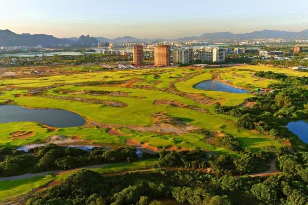 Am Olympia Golfplatz in Rio de Janeiro sind Greenfee Spieler immer willkommen.